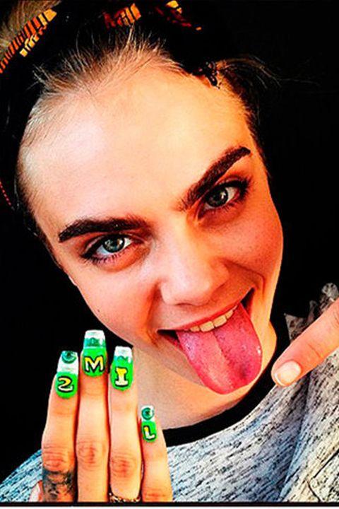Finger, Lip, Skin, Eyebrow, Nail, Eyelash, Tooth, Organ, Nail polish, Manicure,