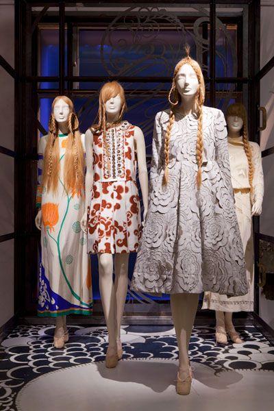Dress, One-piece garment, Fashion, Day dress, Street fashion, Fashion design, Foot, Peach, Vintage clothing, Costume design,