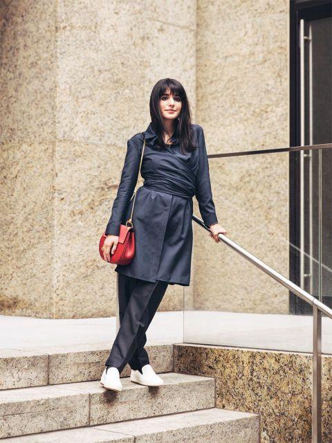 Sleeve, Outerwear, Style, Collar, Formal wear, Street fashion, Stairs, Blazer, Waist, Costume,