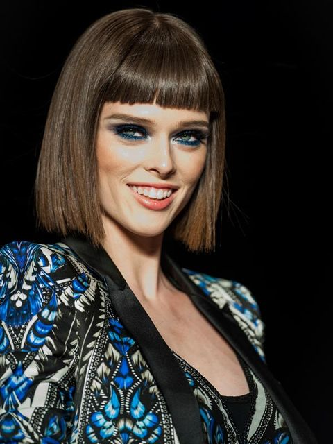 Smile, Hairstyle, Eyebrow, Eyelash, Style, Bangs, Earrings, Step cutting, Beauty, Eye liner,