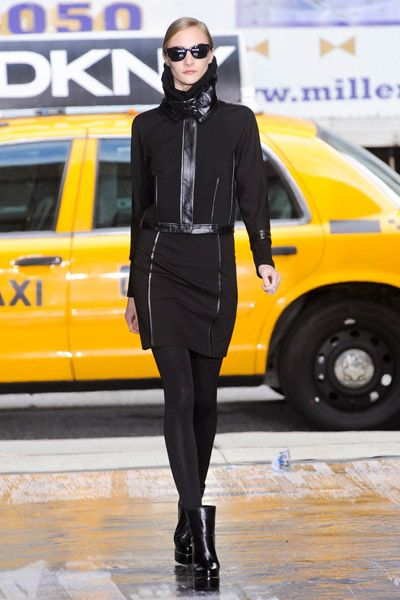 Eyewear, Leg, Yellow, Sunglasses, Outerwear, Style, Street fashion, Jacket, Boot, Goggles,
