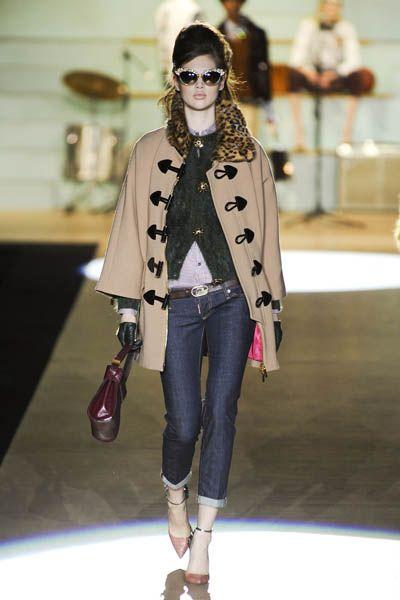 Textile, Outerwear, Style, Street fashion, Hat, Fashion accessory, Bag, Fashion, Fashion model, Denim,