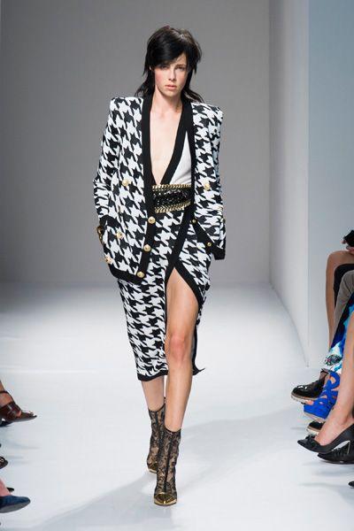 Clothing, Footwear, Leg, Human leg, Fashion show, Shoulder, Joint, Fashion model, Style, Runway,
