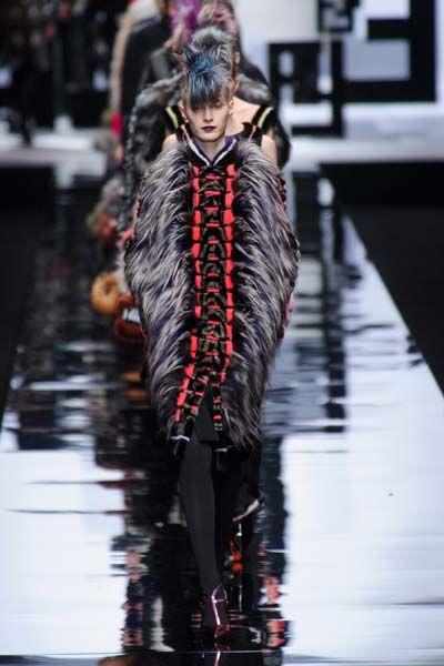 Fashion show, Fashion, Reflection, Runway, Fashion model, Fur, Street fashion, Natural material, Model, Fur clothing,
