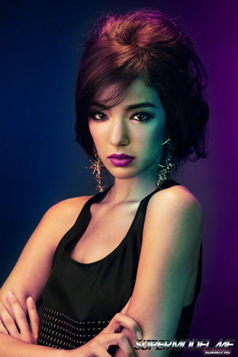 Nose, Mouth, Lip, Hairstyle, Eyelash, Hand, Style, Magenta, Purple, Fashion model,