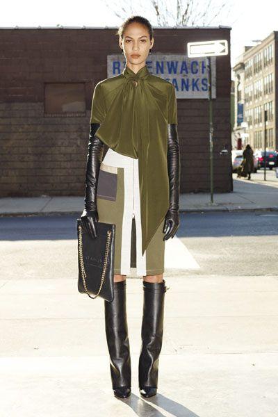 Clothing, Sleeve, Textile, Outerwear, Style, Street fashion, Fashion, Fashion model, Knee, Leather,