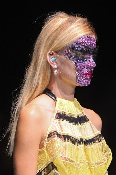 Hairstyle, Earrings, Style, Eyelash, Fashion, Neck, Hair accessory, Beauty, Blond, Day dress,