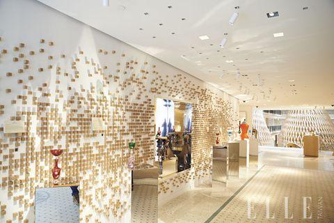 Interior design, Ceiling, Interior design, Hall, Tile, Lobby, Ceiling fixture, Decoration, Tile flooring,
