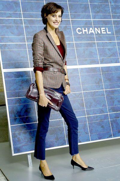 Blue, Sleeve, Textile, Outerwear, Bag, Style, Street fashion, Denim, Fashion, Electric blue,