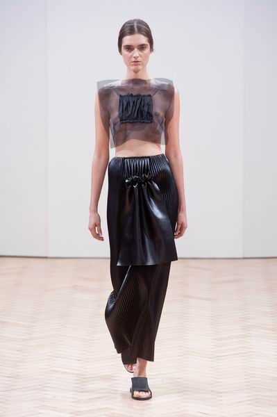 Brown, Shoulder, Waist, Joint, Style, Floor, Fashion model, Flooring, Street fashion, Fashion,