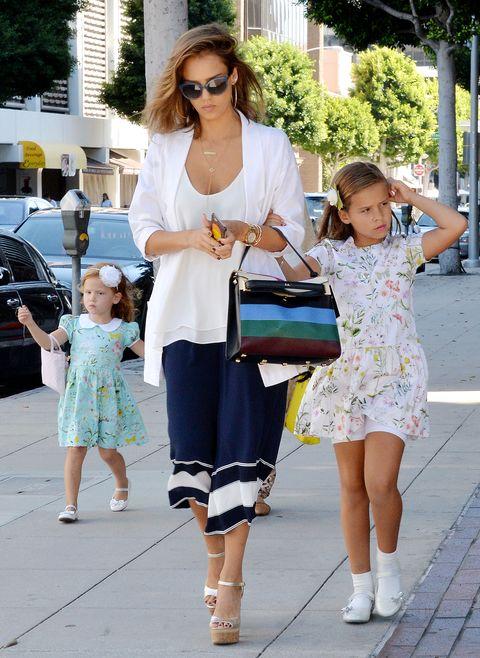 Clothing, Eyewear, Leg, Trousers, Sunglasses, Bag, Style, Street fashion, Child, Fashion accessory,