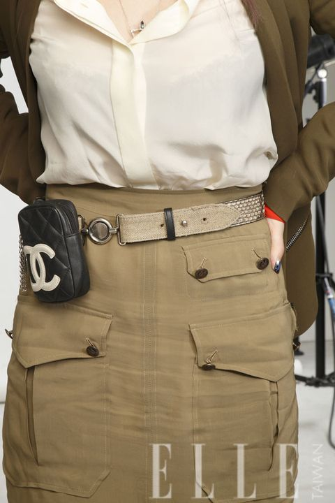 Brown, Sleeve, Collar, Khaki, Dress shirt, Pocket, Waist, Fashion, Tan, Beige,
