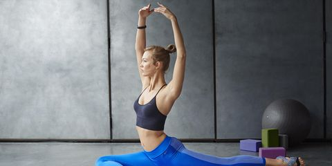 Human leg, Shoulder, Elbow, Wrist, Exercise, Physical fitness, Sportswear, Joint, Active pants, yoga pant,