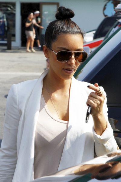 Eyewear, Vision care, Glasses, Coat, Sunglasses, Outerwear, Style, Street fashion, Blazer, Fashion,