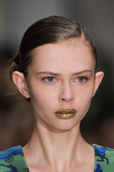 Ear, Nose, Mouth, Lip, Cheek, Hairstyle, Skin, Chin, Forehead, Eyebrow,