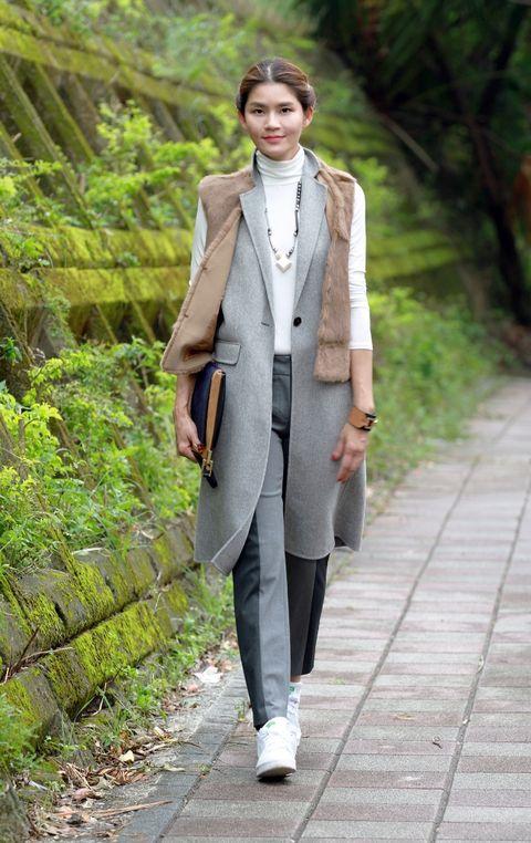 Sleeve, Collar, Street fashion, Blazer, Fashion model, Model, Spring, Necklace, Fashion design, Pantsuit,