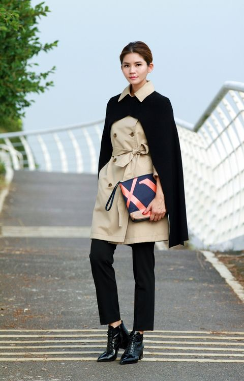 Clothing, Sleeve, Textile, Joint, Outerwear, Style, Street fashion, Knee, Fashion, Pattern,