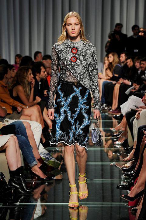 Fashion show, Runway, Outerwear, Dress, Style, Fashion model, Fashion, Beauty, Public event, Model,