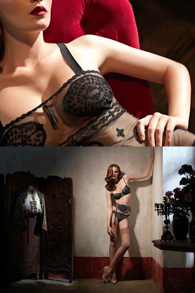 Joint, Human leg, Flowerpot, Beauty, Wrist, Fashion, Tattoo, Thigh, Model, Photography,
