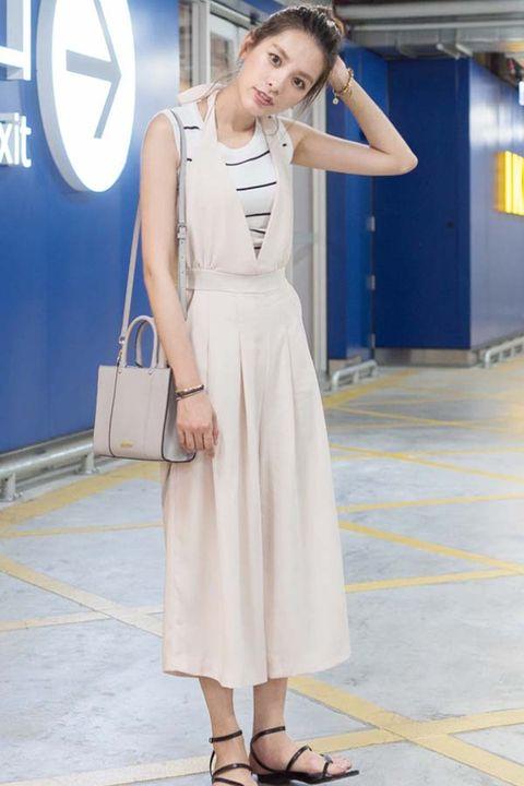 Shoulder, Dress, Joint, One-piece garment, Floor, Style, Logo, Fashion accessory, Waist, Fashion,