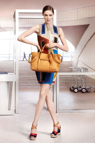 Clothing, Product, Shoulder, Joint, Bag, Style, Fashion accessory, Luggage and bags, Shoulder bag, Fashion,