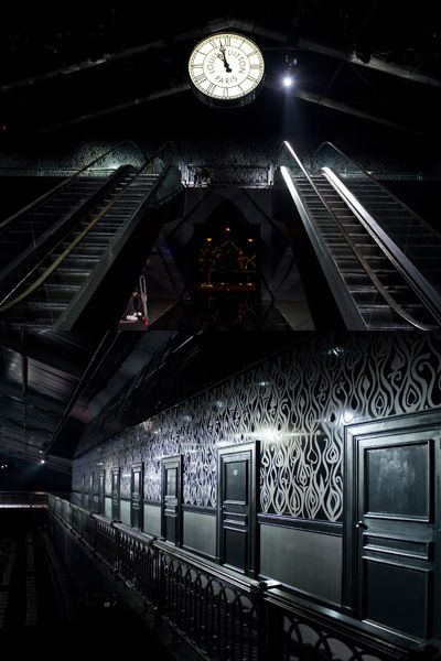 Darkness, Ceiling, Light, Symmetry, Clock, Home accessories,