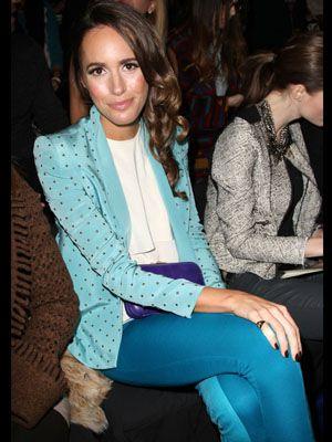 Product, Sitting, Style, Beauty, Blazer, Street fashion, Electric blue, Fashion, Turquoise, Neck,
