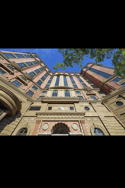 Facade, Landmark, Arch, World, Majorelle blue, Symmetry, Medieval architecture, Urban design, Arcade, Classical architecture,