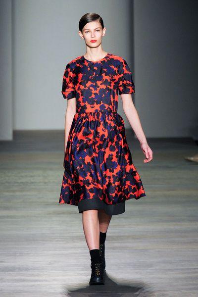 Clothing, Sleeve, Shoulder, Joint, Fashion show, Style, Fashion model, Dress, One-piece garment, Street fashion,