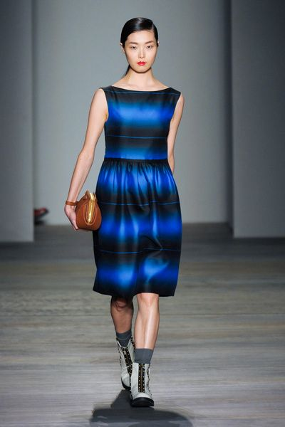 Clothing, Blue, Dress, Sleeve, Human leg, Shoulder, Joint, Standing, One-piece garment, Style,