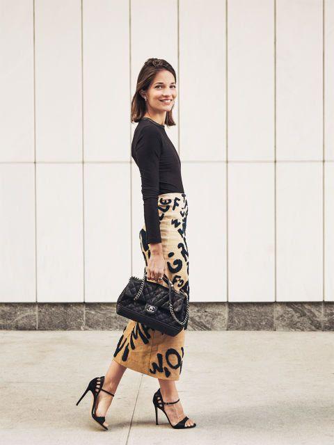 Clothing, Sleeve, Shoulder, Human leg, Joint, Outerwear, Bag, Style, Waist, Street fashion,