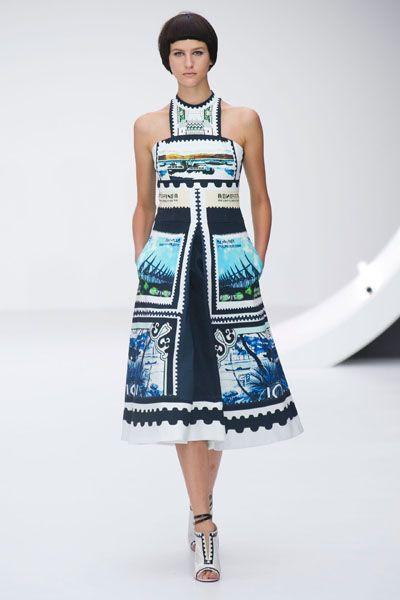 Blue, Sleeve, Shoulder, Textile, Joint, Dress, Style, Waist, One-piece garment, Street fashion,