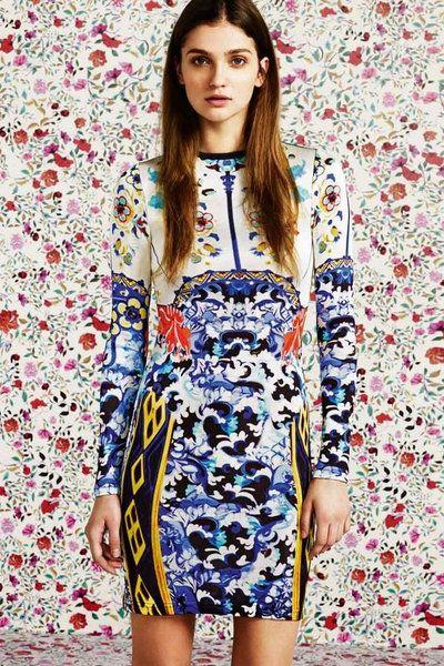 Blue, Sleeve, Shoulder, Textile, Pattern, Dress, Style, One-piece garment, Electric blue, Street fashion,