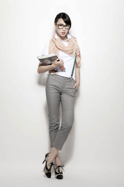 Clothing, Product, Sleeve, Shoulder, Textile, Joint, Fashion accessory, Style, T-shirt, Goggles,