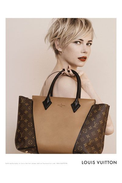 Hairstyle, Collar, Style, Earrings, Bag, Wig, Blond, Beige, Bangs, Khaki,