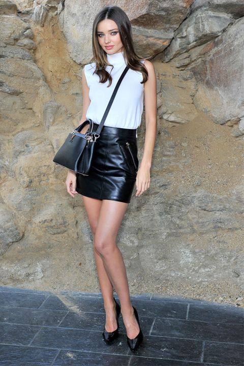 Clothing, Leg, Sleeve, Shoulder, Human leg, Joint, Style, Street fashion, Knee, Beauty,