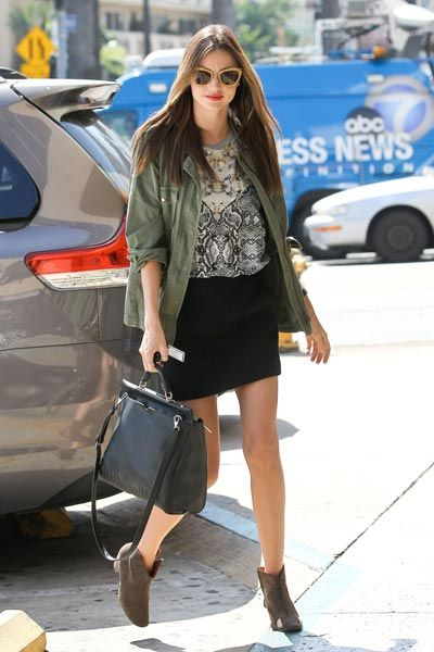 Clothing, Brown, Shoulder, Human leg, Bag, Outerwear, Style, Fashion accessory, Street fashion, Luggage and bags,