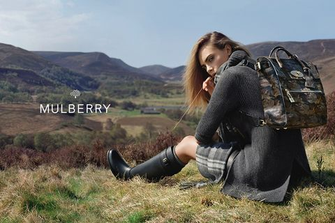 Bag, Highland, Hill, Luggage and bags, Fashion accessory, Beauty, Travel, Grassland, Fell, Boot,