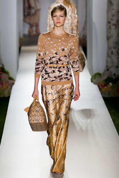 Brown, Shoulder, Textile, Joint, Fashion show, Waist, Style, Runway, Fashion model, Fashion,