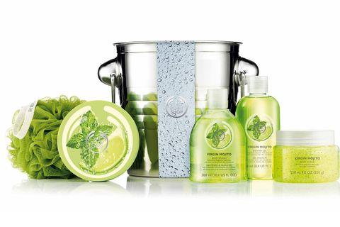 Liquid, Green, Vegetable, Leaf vegetable, Fluid, Bottle, Ingredient, Produce, Cosmetics, Bottle cap,