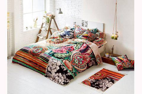 Room, Interior design, Textile, Bedding, Linens, Bedroom, Bed sheet, Bed, Home, Cushion,