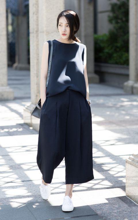Clothing, Sleeve, Shoulder, Joint, White, Human leg, Style, Formal wear, Street fashion, Fashion,