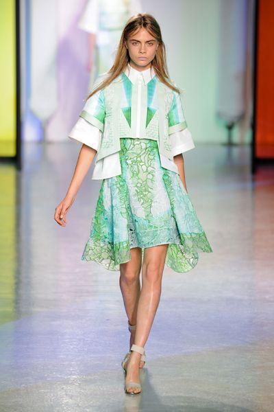 Clothing, Fashion show, Shoulder, Human leg, Joint, Runway, Style, Fashion model, One-piece garment, Street fashion,