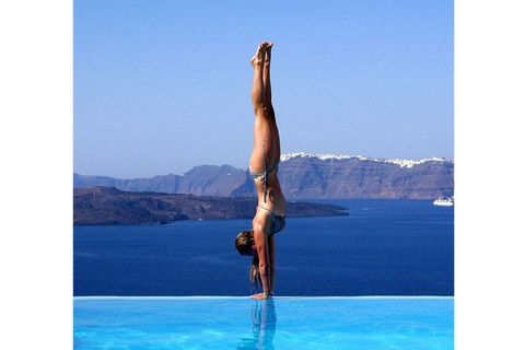 Human leg, Shoulder, Elbow, Wrist, Acrobatics, Knee, Physical fitness, Thigh, Aqua, Exercise,