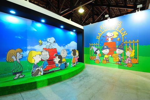 Lighting, Art, Majorelle blue, Visual arts, Paint, Modern art, Animation, Illustration, Painting, Fictional character,