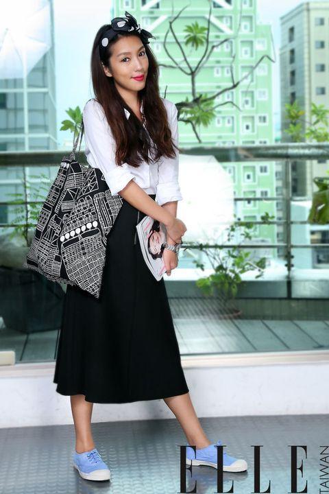 Clothing, Sleeve, Shoulder, Outerwear, Style, Fashion accessory, Bag, Street fashion, Waist, Fashion,