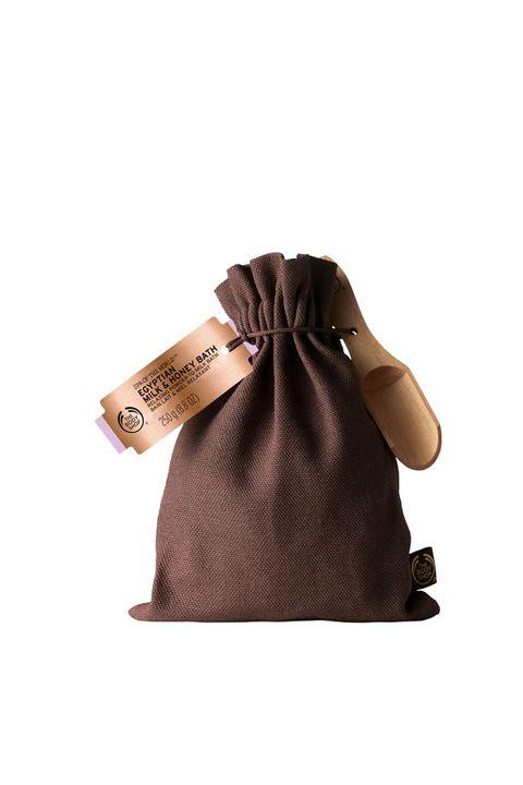 Brown, Textile, Bag, Khaki, Tan, Beige, Maroon, Shoulder bag, Pattern, Liver,