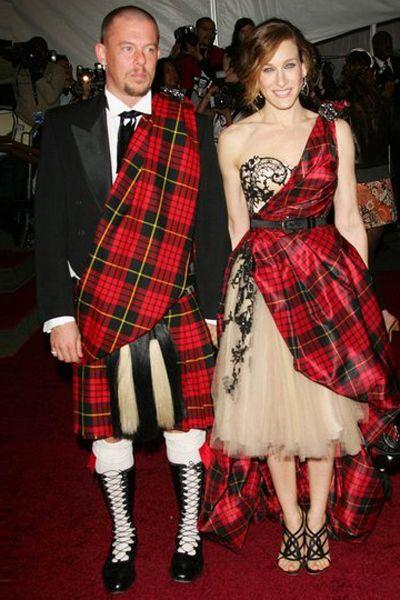 Clothing, Plaid, Tartan, Pattern, Textile, Coat, Red, Dress, Outerwear, Formal wear,