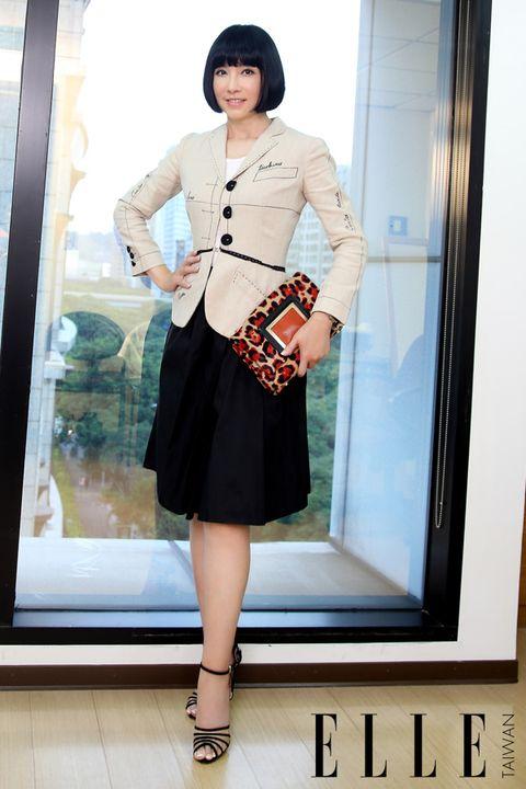 Sleeve, Shoulder, Joint, Fashion accessory, Style, Waist, Street fashion, Fashion, Dress, Black,