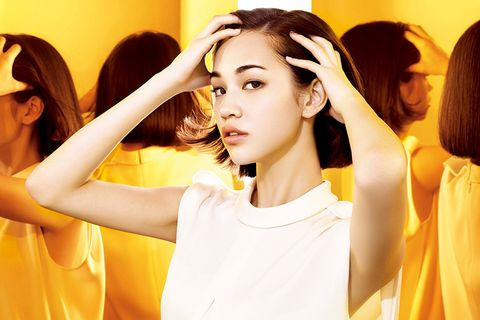 Hair, Head, Ear, Hairstyle, Yellow, Eyelash, Style, Amber, Hair accessory, Temple,